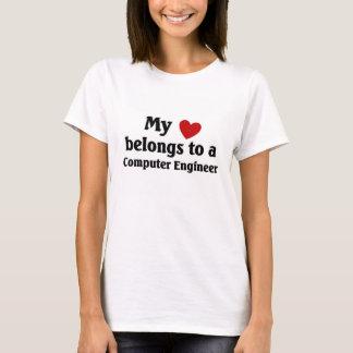 T-shirt Le coeur appartient à un ingénieur informaticien