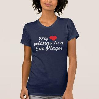 T-shirt Le coeur appartient à un joueur de saxo