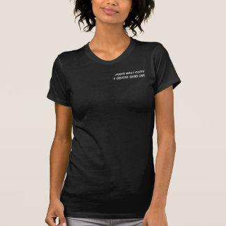 T-shirt Le studio et le café sain créatif du mur de jaspe