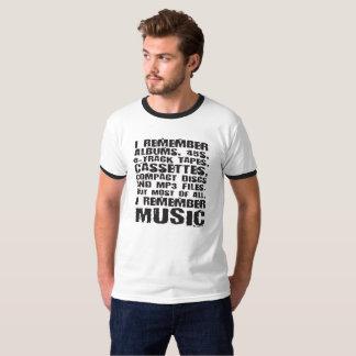 T-shirt Les albums, 45s, 8-Track attache du ruban adhésif