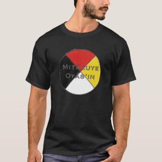 T-shirt Les couleurs foncées Lakota des hommes de Mitakuye