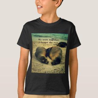 T-shirt Les couples d'amour citent des otaries sur la