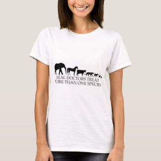 T-shirt Les vrais médecins (vétérinaires) traitent plus