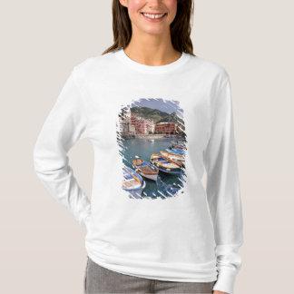 T-shirt L'Europe, Italie, Vernazza. Bateaux brillamment