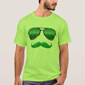 T-shirt Lutin dans la moustache verte de déguisement