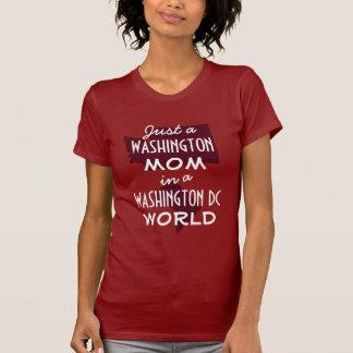 T-shirt Maman rouge de l'état de Washington Dans le C.C