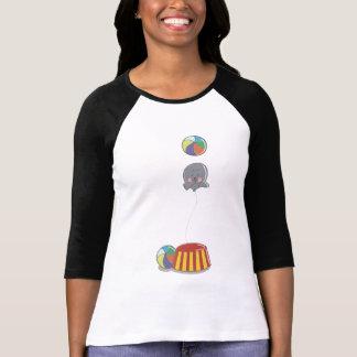 T-shirt mignon de femme de joint