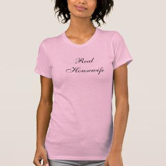 T-shirt mignon pour une femme au foyer dans Cresco