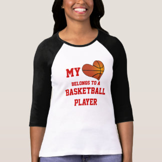 T-shirt Mon coeur appartient à un joueur de basket