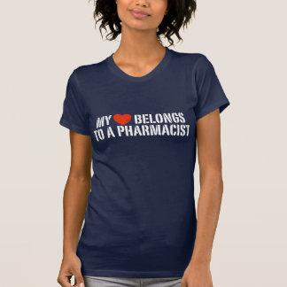 T-shirt Mon coeur appartient à un pharmacien