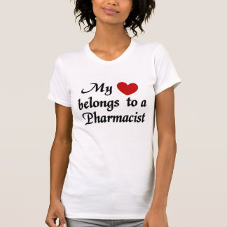 """T-shirt """"mon coeur appartient à un pharmacien"""