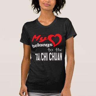 T-shirt Mon coeur appartient au Chi Chuan. de Tai