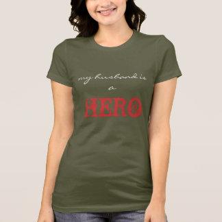 T-shirt mon mari est un HÉROS