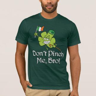 T-shirt Ne me pincez pas shamrock de Bro