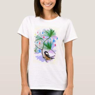 T-shirt Oiseau de Chickadee dans la chemise d'arbre