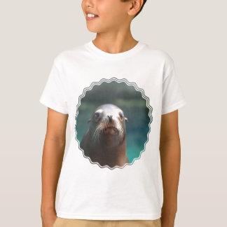 T-shirt Otarie avec des favoris
