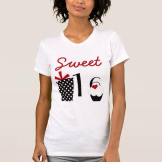 T-shirt Petit gâteau du bonbon 16 et présent mignons de