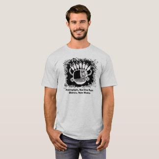 T-shirt Pétroglyphe, masque avec des klaxons et plumes