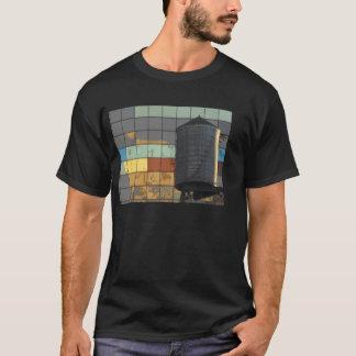 T-shirt Photo de tour colorée de mur et d'eau