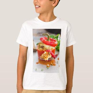 T-shirt Poivrons bourrés Baked avec de la sauce et le