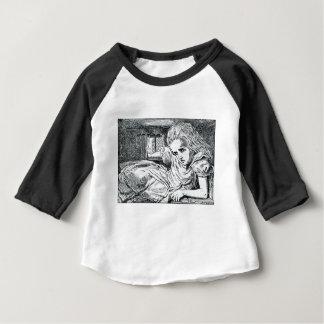 T-shirt Pour Bébé A ; glace fourrée dans une Chambre