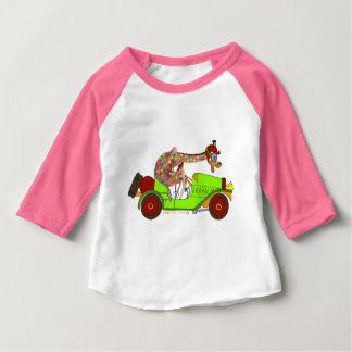 T-shirt Pour Bébé Arc-en-ciel conduisant rapidement