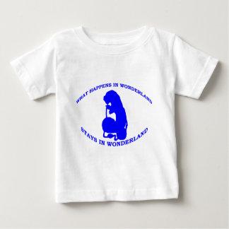 T-shirt Pour Bébé Ce qui se produit dans des séjours du pays des