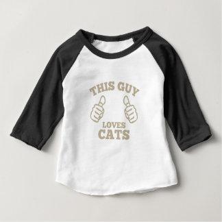 T-shirt Pour Bébé Ce type aime des chats