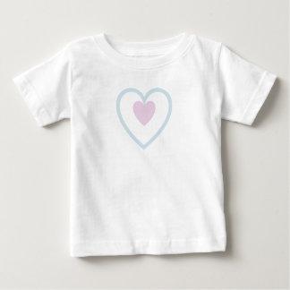 T-shirt Pour Bébé Coeur au coeur - rose dans le bleu