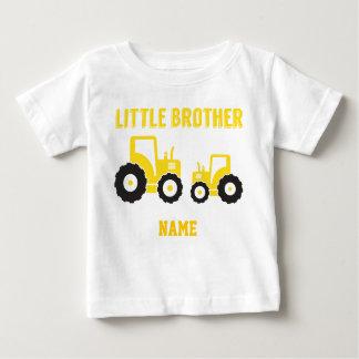 T-shirt Pour Bébé Étude du tracteur de petit frère de sucrerie