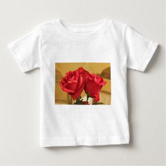 T-shirt Pour Bébé Faux roses en plastique