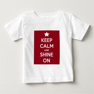 T-shirt Pour Bébé Gardez le calme et brillez sur le rouge