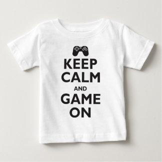 T-shirt Pour Bébé Gardez le calme et le jeu dessus