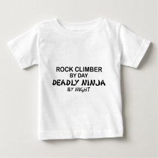 T-shirt Pour Bébé Grimpeur de roche Ninja mortel par nuit