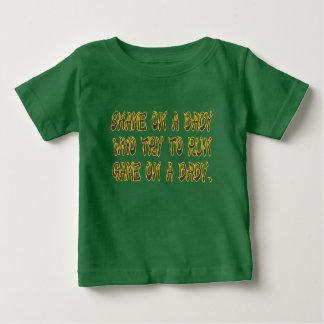 T-shirt Pour Bébé Honte sur un bébé