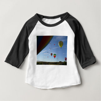 T-shirt Pour Bébé Jeter un coup d'oeil