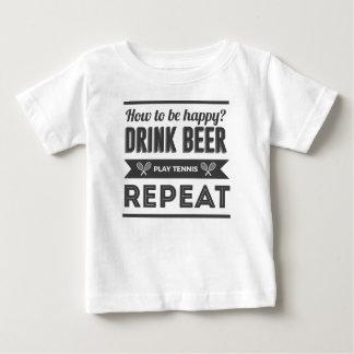 T-shirt Pour Bébé La vie heureuse de tennis de boissons alcoolisées