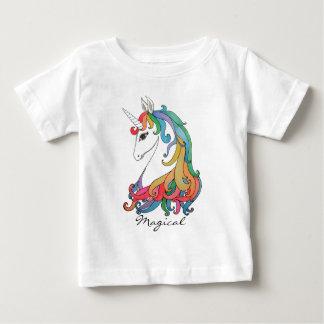 T-shirt Pour Bébé Licorne mignonne d'arc-en-ciel d'aquarelle
