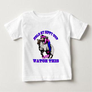 """T-shirt Pour Bébé Montre de Bustin"""" Sippy de mouton de cow-girl de"""