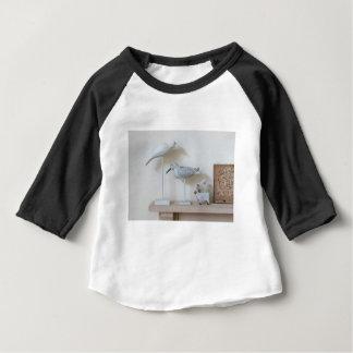 T-shirt Pour Bébé Oiseaux et moutons en bois de bouleau