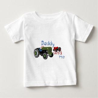 T-shirt Pour Bébé Papa et moi tracteurs
