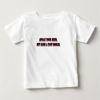 T-shirt Pour Bébé parlez votre esprit mais montez un cheval rapide