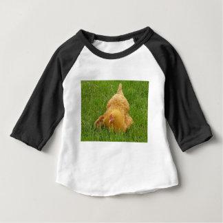 T-shirt Pour Bébé Poulet et poussin de maman