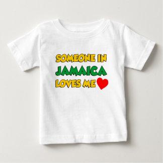 T-shirt Pour Bébé Quelqu'un Jamaïque m'aime