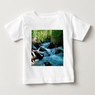 T-shirt Pour Bébé Rapide rocheuse de rivière de l'eau