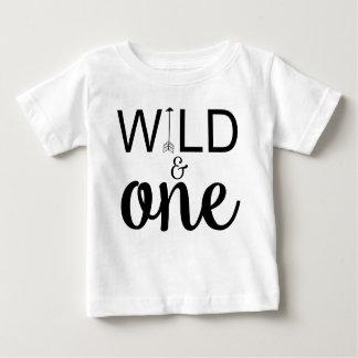 T-shirt Pour Bébé Une ?ère d'anniversaire de flèche chemise sauvage