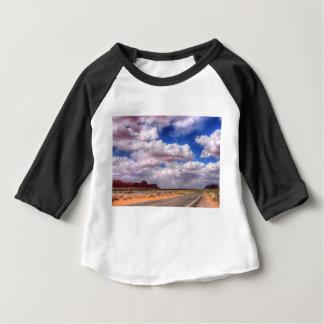 T-shirt Pour Bébé Vallée de monument de nuages de tempête, Utah