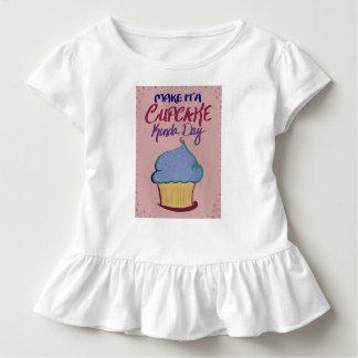 T-shirt Pour Les Tous Petits Faites-lui un jour de petit gâteau plutôt : Pièce