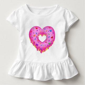 T-shirt Pour Les Tous Petits Le beignet rose de coeur avec l'arc-en-ciel arrose
