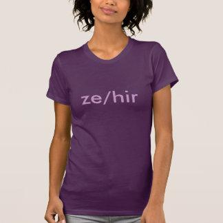 T-shirt Pronoms de genre : Ze/Hir
